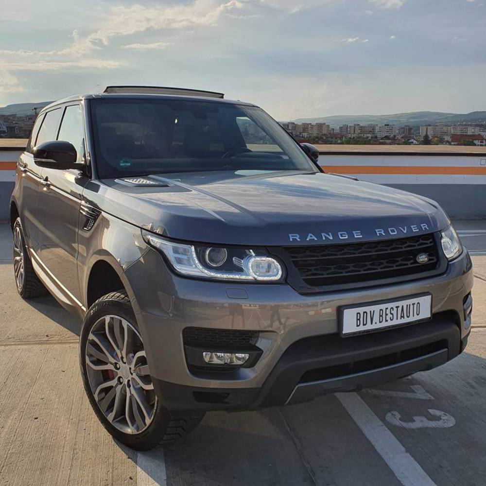 The advantages of renting our new Range Rover HSE